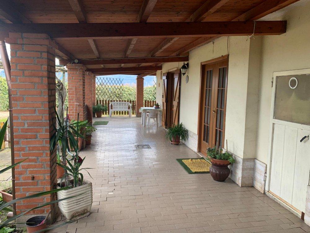 Casa Indipendente in Vendita di 100mq con garage ...